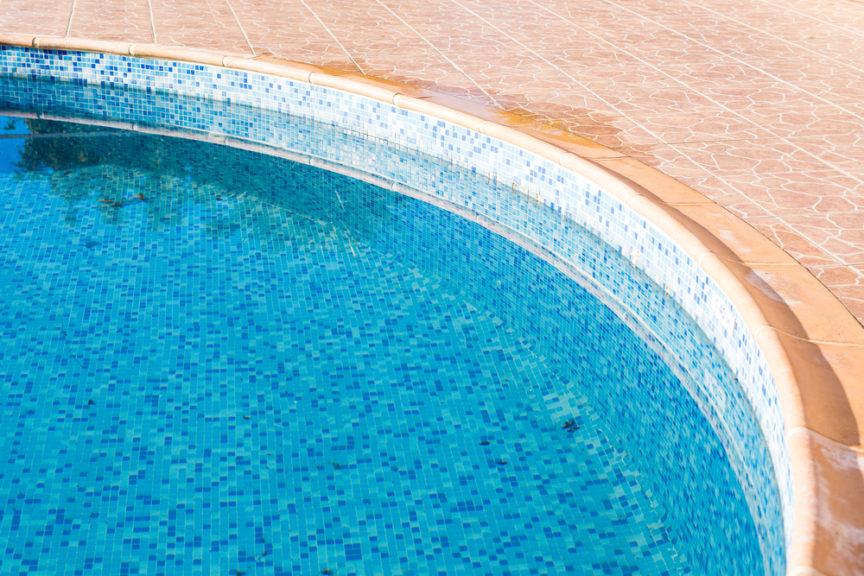 how-to-avoid-algae-build-up-mid-city-custom-pools