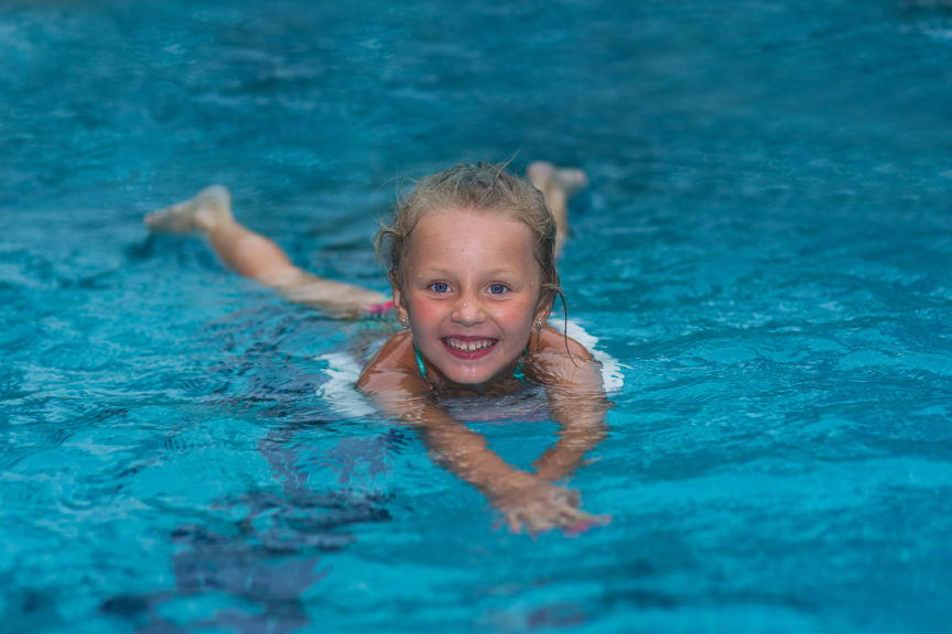 why-you-should-teach-your-kids-to-swim-before-summer-mid-city-custom-pools