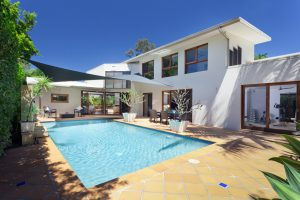enjoy-your-pool-while-being-energy-efficient-mid-city-custom-pools
