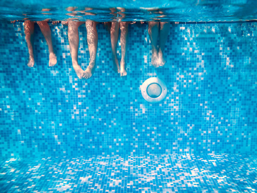 Outdoor-Accessories-To-Help-Keep-You-Cool-This-Summer-Mid-City-Custom-Pools