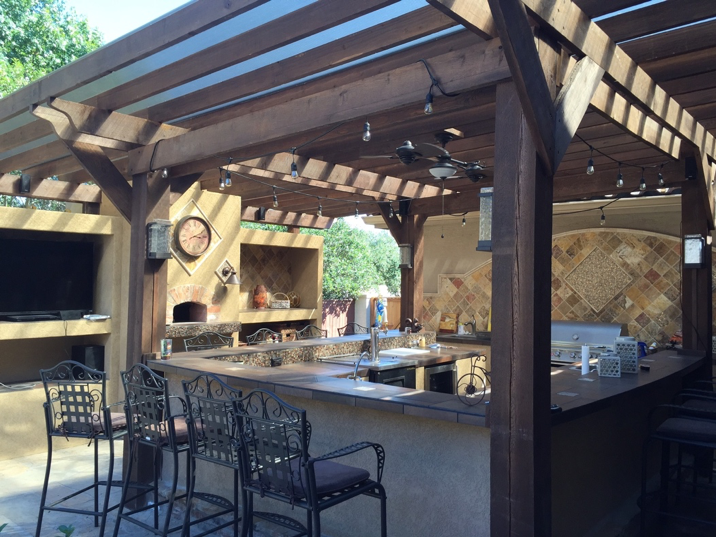 Is Your Backyard Missing an Outdoor Kitchen Mid City Custom Pools Hurst