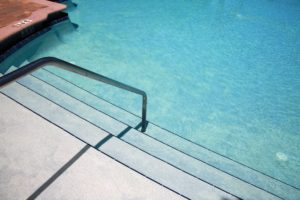 Vinyl Liner Pools vs Fiberglass Pools What's the Difference Mid City Custom Pools Trophy Club.jpg