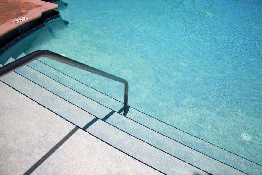Vinyl Liner Pools vs Fiberglass Pools What's the Difference Mid City Custom Pools Trophy Club.jpg
