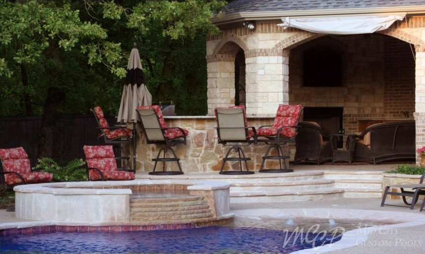 Pool Trends to Look Out for in 2021 - Mid City Custom Pools